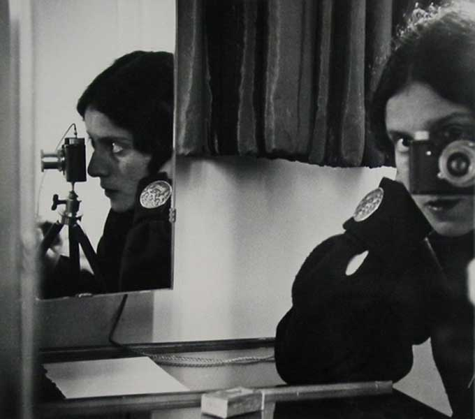 Ilse Bing, Self-Portrait in Mirrors, 1931.
